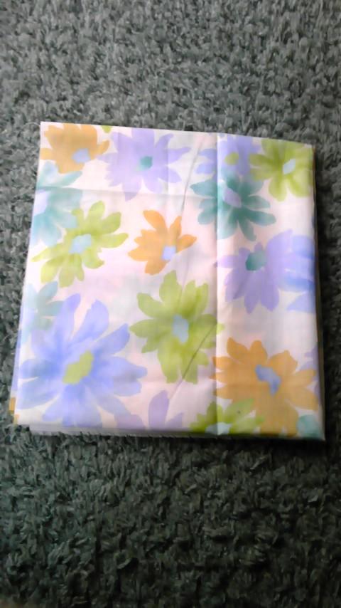 柔らかな色合いの布