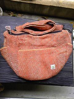 オレンジ色バッグ(フリマの前)